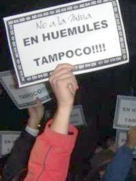 """Marcha en Esquel exigiendo """"EN HUEMULES TAMPOCO"""""""