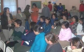 Vecinos de Esquel en charla con los pobladores del paraje Río Percey
