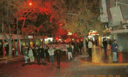 Hubo una asamblea de vecinos contra la minería contaminante y luego marcharon por el centro de San Juan