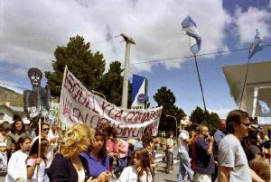 Continúan en Esquel las marchas del NO A LA MINA y el 23 de marzo celebrarán los 5 años de la consulta popular que rechazó la minería