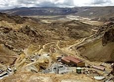 Derrame de colas, falta de agua y abusos de la empresa minera Sinch'i Wayra subsidiaria de Glencore