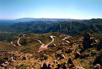 Vista de la región, el camino corresponde a la ruta provincial Nº9