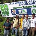 Plantón cerca de explotación minera Crucitas en límite de Nicaragua y Costa Rica