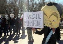 Caricatura del gobernador Jaque contra la actividad minera