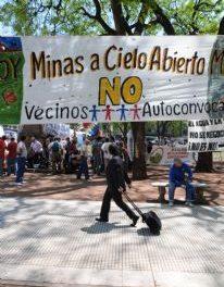 Asambleas escrachan reunión internacional «Argentina Oro 2008»