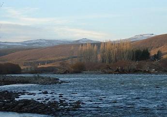 El río Agrio a la altura del paraje Campana Mahuida