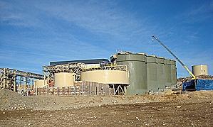 Infraestructura de electricidad para minera apurada