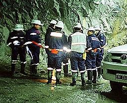 Otro ocultamiento minero: al menos 25 trabajadores cianurados
