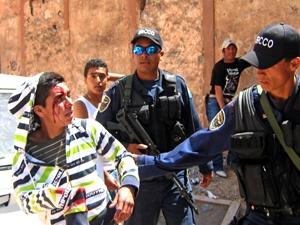 Policía hace revisión excesiva en festival musical antiminero