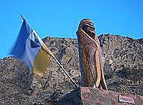 Monumento al cacique Saihueque en Gobernador Costa