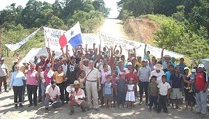 Comunidades de Petaquilla cierran proyecto minero por tres días