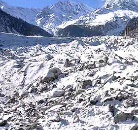 A raiz del veto de los Kirchner, los vecinos interponen amparo ambiental en defensa de ambientes glaciares