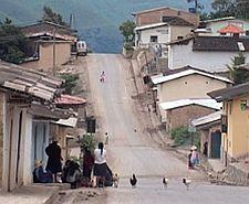 Minera Yanacocha sufre desabastecimiento por bloqueo