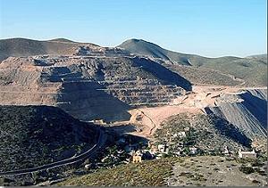 Minera San Xavier, una mina de votos