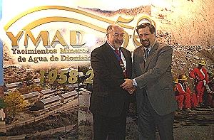 Manuel Benítez, presidente YMAD (a la derecha), junto al lord mayor de Londres.
