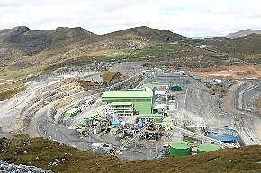 Paro comunitario indefinido contra minera Gold Fields