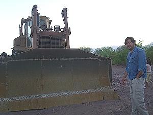 Topadora e ingeniero rechazados en Tinogasta