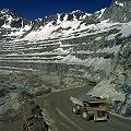 Suspendan todas las explotaciones mineras a cielo abierto
