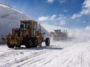 Mina de oro Veladero (Barrick Gold), maquinaria pesada en glaciar