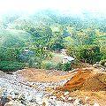 Sismo, derrumbe de pileta de desechos cianurados y evacuación de familias