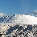 Montaña de sales en yacimiento