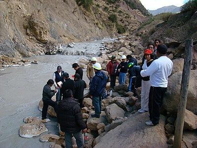 Relaves mineros en el río Opamayo