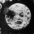 Mineras en órbita lunar