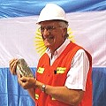 Barricklandia: el gobernador es el «Minero del año»
