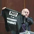 Galeano dedicó a los militantes del agua su Doctorado Honoris Causa
