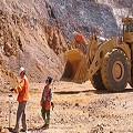 Mineras dan espejitos por tierras a ejidatarios