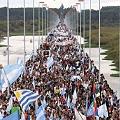 Multitudinaria marcha contra la pastera Botnia-UPM