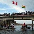 Bloquean puente fronterizo en protesta por minería