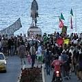 """Gran marcha de los """"3000 muertos"""" por el cianuro en Bariloche"""