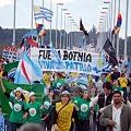 Multitudinario reclamo en Gualeguaychú por el «desmantelamiento de Botnia»
