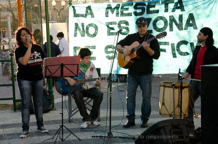 Ch Tw 04ago12 marcha 8 musica1