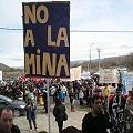 Protesta intersectorial con fuertes reclamos y abucheos para el gobernador en Esquel