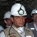 Correa quiere minería para suplementar al petróleo