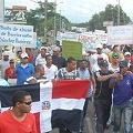 Más de 40 heridos en protesta contra Barrick en Dominicana