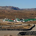 Camioneros bloquean yacimiento de oro Cerro Negro