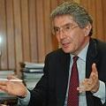 Fiscalía de Costa Rica acusa a exministro por caso de minera canadiense