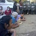 Policía desaloja a vecinos en mina de San José del Golfo
