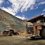 Casi 30 proyectos mineros parados por falta de agua y energía