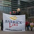 Detuvieron a una argentina que protestaba contra Barrick