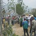 Policía disuelve protesta de vecinos en ingreso a mina San Rafael