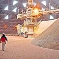 Por nuevo tributo minero empresas amenazan el empleo