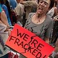 Grandes manifestaciones en Inglaterra contra el fracking, logran suspender primeras prospecciones