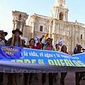 Afectados por la minería en Perú denuncian saqueo de recursos naturales