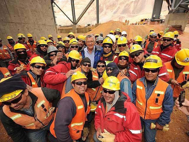 Barrick Gold anunció que no le renovarán el contrato a 1900 empleados