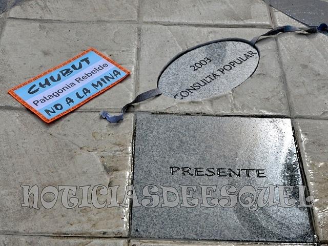 La Consulta Popular del 2003 tiene su lugar en el Reloj de Sol de plaza San Martín