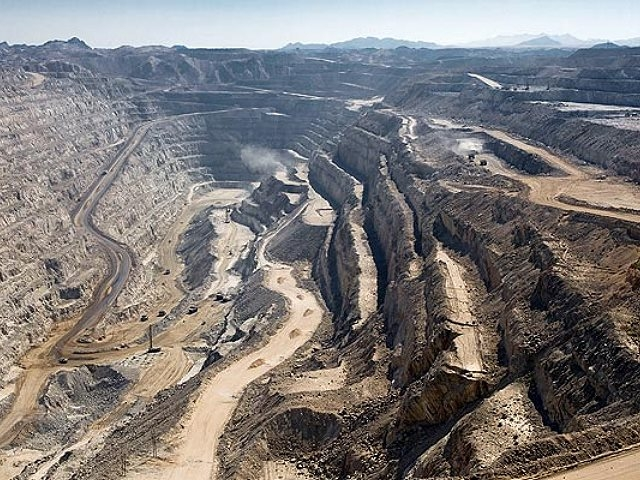 Advierten sobre la muerte de trabajadores de mina de uranio en Namibia